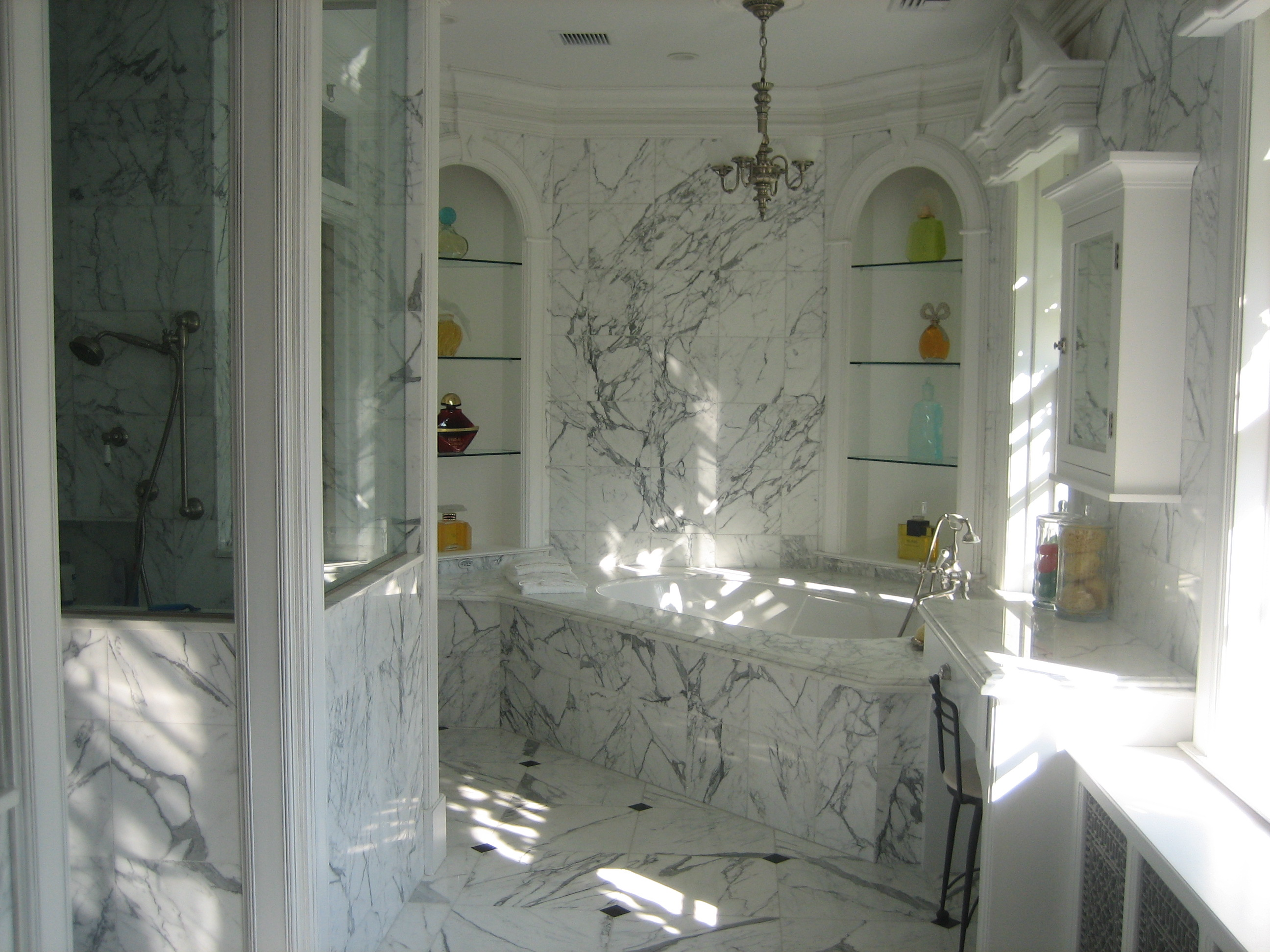 Elegant Bath Toni Sabatino Style - Elegant-traditional-bathrooms